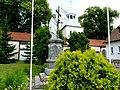 Pomnik przed kościołem - panoramio (2).jpg