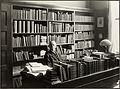 Portrett av Hjalmar Pettersen (1856-1928) på sitt kontor.jpg
