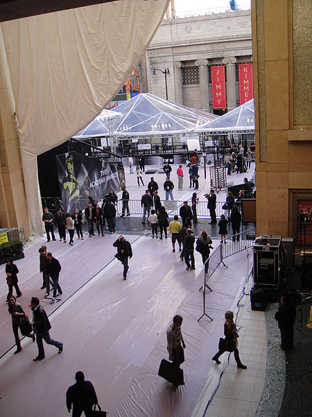 File:Preparing for the 83rd Annual Academy Awards - looking out into the street (5474926543).jpg
