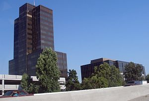 PruneYard Shopping Center - Image: Pruneyard towers
