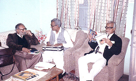 Abdus Salam with Pakistani intellectual Syed Qasim Mahmood in 1986 Qasim with abdus salam.jpg