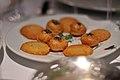 Restaurant Le Jardin des Sens Parmesansmåkager og indbagt gedeost med birkes (5481571272).jpg