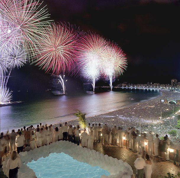 File:Rio New Year Fireworks.jpg