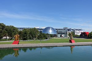 Parc de la Villette - Parc de la Villette with the Cité des Sciences and the Géode in the background.