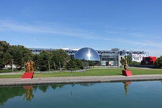 Parc de la Villette - Parc de la Villette with the Cité des Sciences and the Géode in the background.