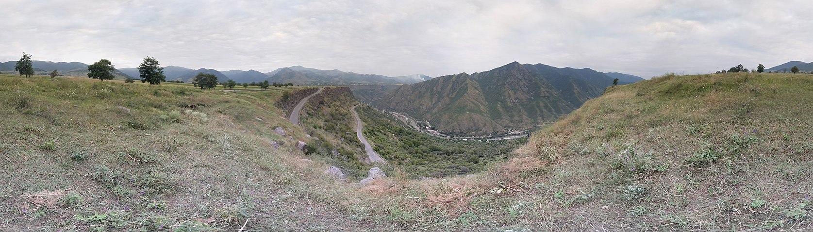 Road to Odzun - panoramio.jpg