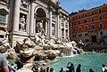 Roma. Fontana di Trevi. Maggio 2010 - panoramio.jpg