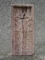Rotmarmorwappengrabstein an der Pfarrkirche Hieflau.jpg