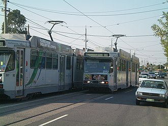 Melbourne tram route 86 - Two route 86 trams pass each other on Plenty Road, Preston