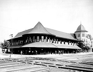 Seaboard Air Line Railroad - Seaboard depot and hotel, about 1915, at the important junction of Hamlet, North Carolina, where two main SAL routes crossed.