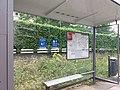 Sainte-Foy-lès-Lyon - Rue Marcel Achard - Arrêt de bus.jpg