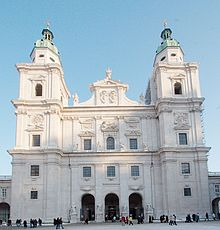 Salzburg cathedral frontview.jpg