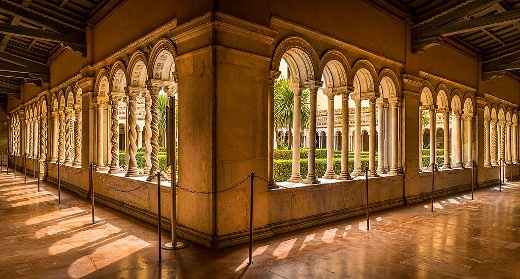 Cloître de la basilique Saint-Paul-hors-les-Murs à Rome - Photo de Herbert Weber, Hildesheim