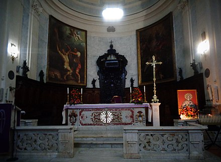 Altar of San Bartolomeo Basilica in Benevento, containing the relics of Bartholomew San bart.jpg