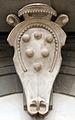 San lorenzo, tribuna delle reliquie di michelangelo, 03 stemma medici.JPG