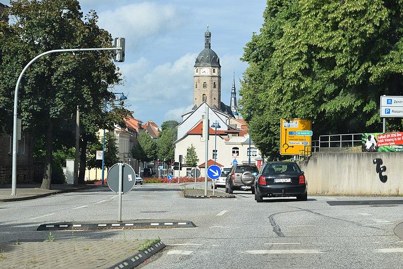 File:Sangerhausen, Kyselhäuser Straße Richtung Innenstadt.jpg