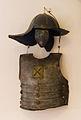 Sanok, Muzeum Historyczne, broń szyszak i napierśnik 01.jpg