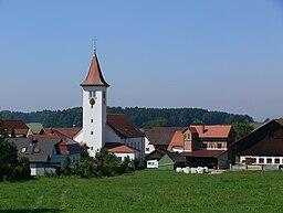 Schlier, Ansicht von Osten (von der Grund- und Hauptschule aus), mit Pfarrkirche St. Martin
