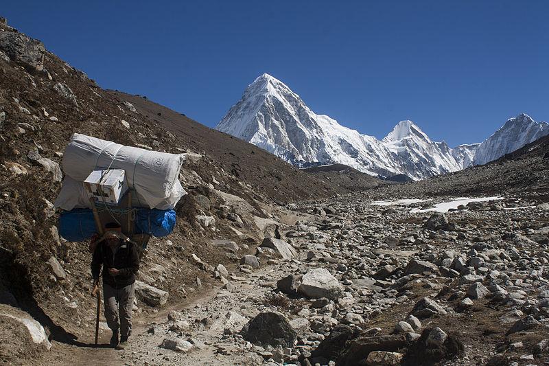 File:Sherpa Hikes from Dughla Towards Lobuche.jpg