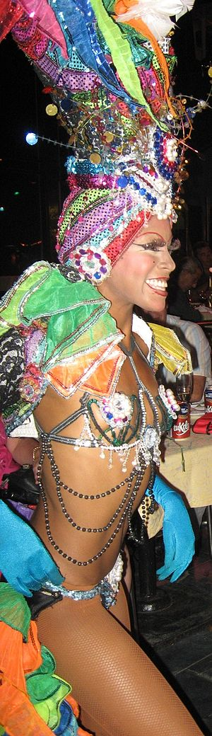 English: Showgirl at the Tropicana Club, Havan...