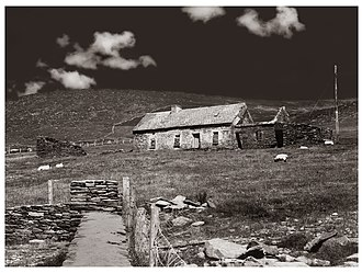 Slea Head - Abandoned farmhouse, Slea Head, 1986