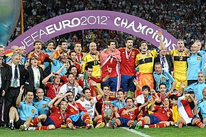 spain national team with the trophy after winning euro 2012