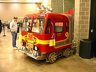 Railroad speeder - A privately owned Fairmont MT-14 speeder on display at a model railroad show in February 2004