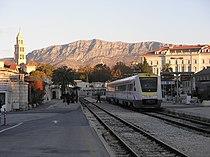 Split railway station (01).JPG