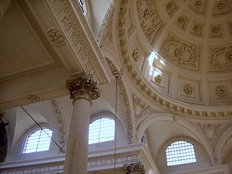 St Stephen Walbrook - View showing the coffered dome and its supporting arches