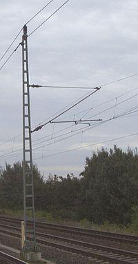 Stahl-Oberleitungsmast Deutsche Bahn.jpg