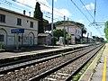 Stazione di Castagneto Carduccci-Donoratico, Vista piazzale del ferro in direzione Sud.JPG