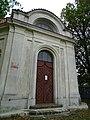 Stodůlky, Háje, kaple Nalezení svatého Kříže,severní průčelí.jpg