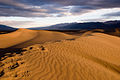 Stovepipe Wells - Dunes at Sunrise (3811735437).jpg