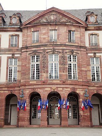 Hôtel de Hanau - Image: Straßburg, altes Rathaus, Innenhof