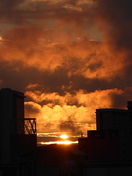 File:Sunset, Salford Quays, July 2016 (02).JPG