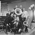 TV Meet the Band , the Temperance Seven, Bestanddeelnr 914-1825.jpg