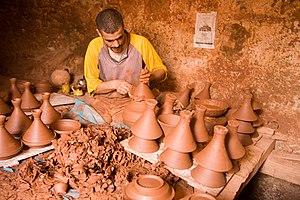 Clay pot cooking - Tajine potter