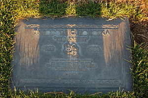 Ted Knight - Ted Knight's grave