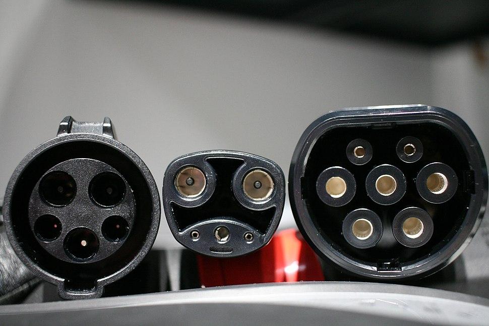 Tesla-type-1-inlet-tesla02-outlet-iec-type-2-outlet-background-blur