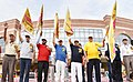 Thaawar Chand Gehlot and the Union Minister for Steel, Shri Chaudhary Birender Singh flagging off the '16th Run against Drug Abuse and thematic events Mass Awareness Event'.JPG