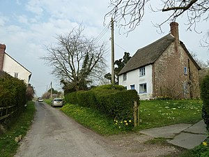 Belchalwell Street - Image: Thatched cottage in Belchalwell Street (geograph 2324411)