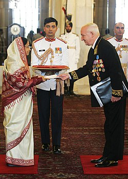 The Ambassador-Designate of Russia, Mr. Alexander M. Kadakin presented his credentials to the President, Smt. Pratibha Devisingh Patil, at Rashtrapati Bhavan, in New Delhi on November 20, 2009.jpg