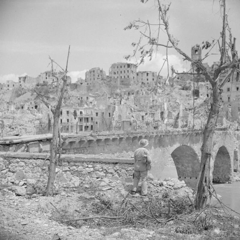 The British Army in Italy 1944 NA15496