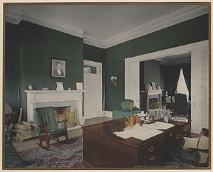 Theodore Roosevelt desk - The Theodore Roosevelt Desk in the White House Executive Office, 1904.