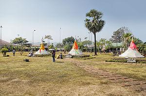 Sangkhla Buri District - The three pagodas