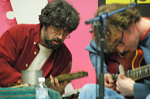 Califone - Califone primaries Ben Massarella and Tim Rutili at a 2005 Tower Records performance.
