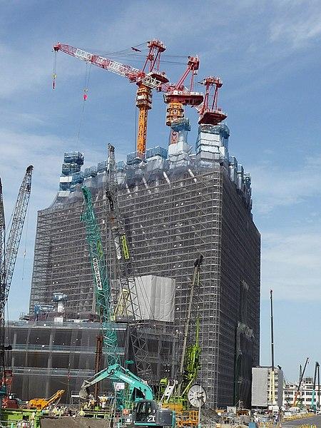 Súbor:Tokyo Sky Tree under construction 20090714-2.jpg