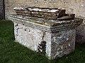 Tomb at Manston Churchyard - geograph.org.uk - 336206.jpg