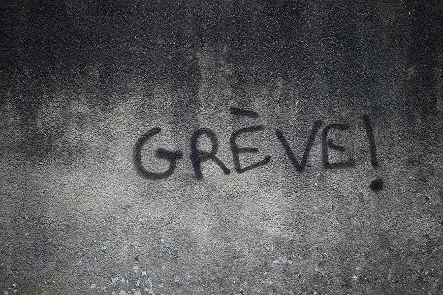 Tours - Graffiti Grève.jpg