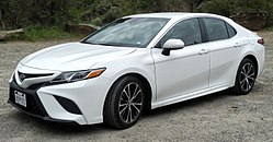 Toyota Camry SE P4110367 (cropped).jpg